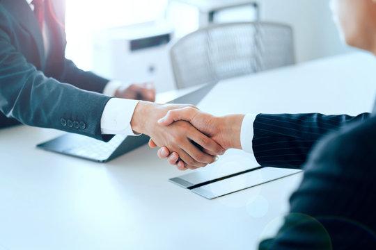 個人・企業問わず大規模案件から小さなお困りごとまで法律問題に幅広く対応します。